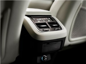 Volvo XC90 2015 климатическая установка для пассажиров задних рядов