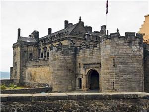 В Стерлинге короновали многих, в том числе и Марию Стюарт