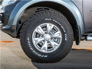 Mitsubishi L200 2014 колесо