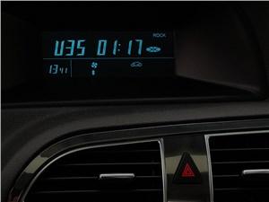 Brilliance V5 2014 дисплей аудиосистемы