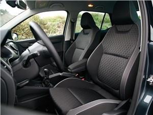 Skoda Fabia 2015 передние кресла