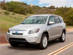Гибридную версию Toyota RAV4 покажут в Нью-Йорке
