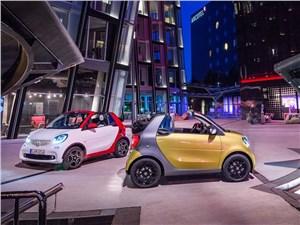 Предпросмотр smart fortwo cabrio 2016 вид спереди и сбоку