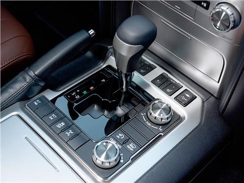 Toyota Land Cruiser 2016 6АКПП