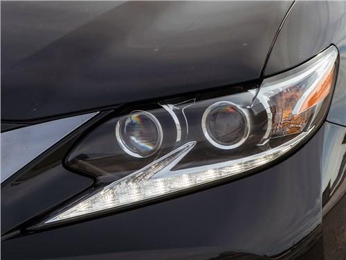 Lexus ES 2016 передняя оптика