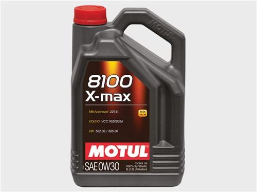 Motul 8100 X-max 0W30