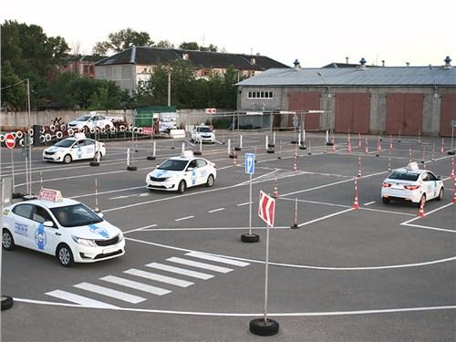 ГИБДД: качество работы автошкол снижается