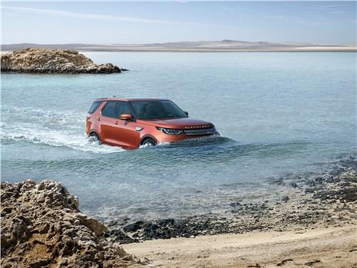 Land Rover Discovery 2017 в море