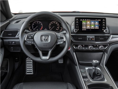 Honda Accord 2018 салон