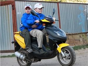 Вводится новая категория водительских прав для управления мопедами, скутерами и квадроциклами