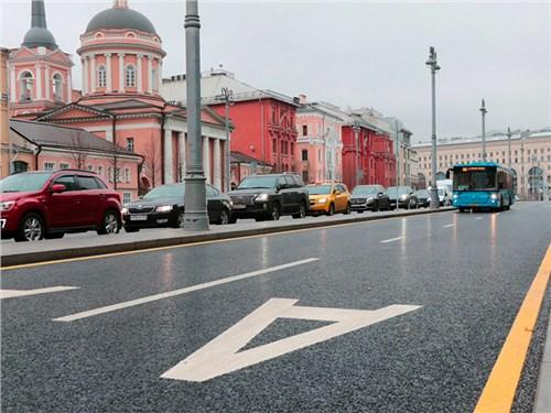 У московских водителей отняли еще одну полосу