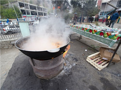 В Таджикистане непременно следует отведать блюда местной кухни