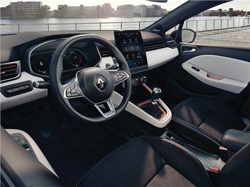Renault Clio открывают изнутри