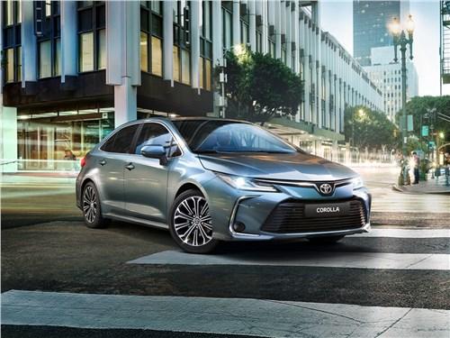 Toyota Corolla 2019 вид спереди