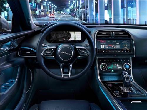 Предпросмотр jaguar xe 2020 салон