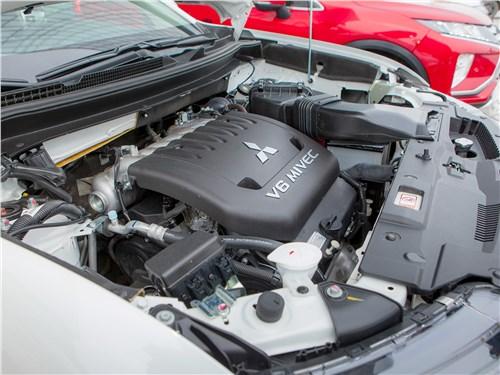 Mitsubishi Outlander GT 2018 двигатель