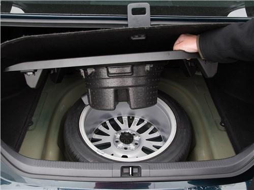 Toyota Camry 2018 багажное отделение