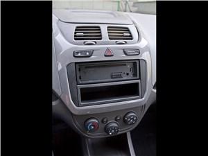 Chevrolet Cobalt 2013 центральная консоль