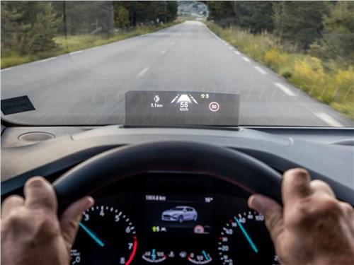 Предпросмотр ford focus 2019 проекция приборов на стекло