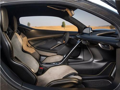 Предпросмотр lotus evija 2020 передние кресла