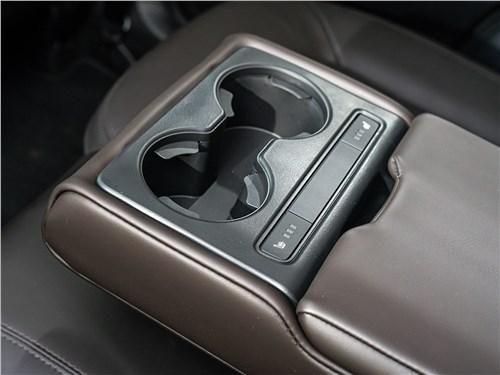 Mazda CX-5 2017 подлокотник