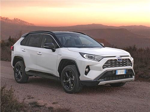 Toyota показала RAV4 Plug-in Hybrid