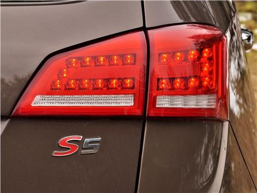 JAC S5 2014 задний фонарь