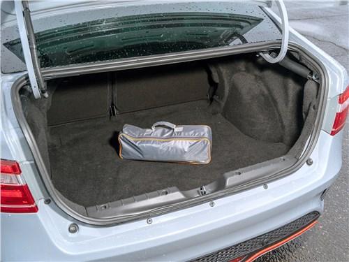 Lada Vesta Sport 2019 багажное отделение