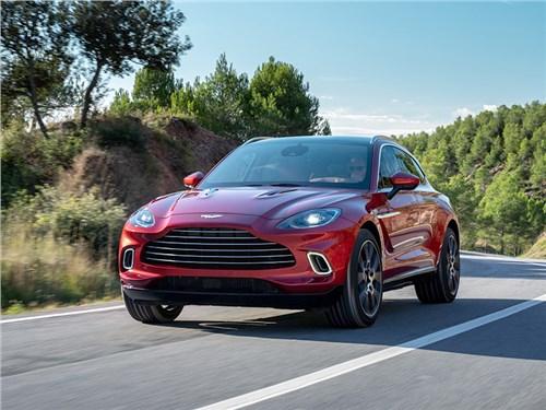 Aston Martin отмечает выход с конвейера первого внедорожника DBX