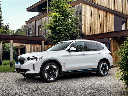 BMW X3 официально стал электромобилем
