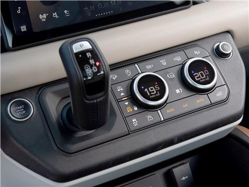 Land Rover Defender 110 2020 центральная консоль