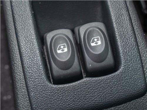 Lada Largus Cross Quest (2020) клавиши задних стеклоподъемников