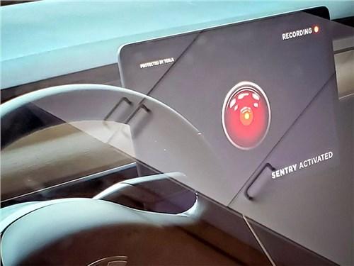Новость про Tesla Motors Model 3 - Tesla защитит записи с бортовых камер от воров с помощью бардачка