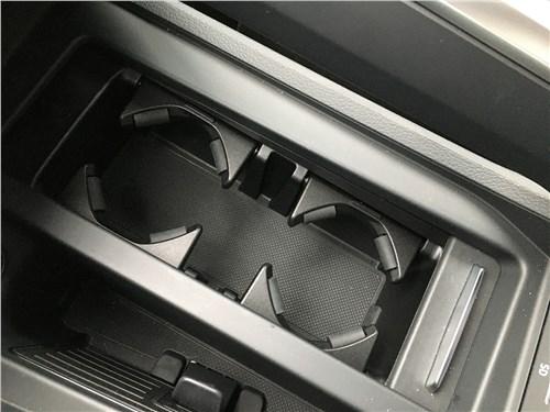 Audi e-tron (2020) центральный тоннель
