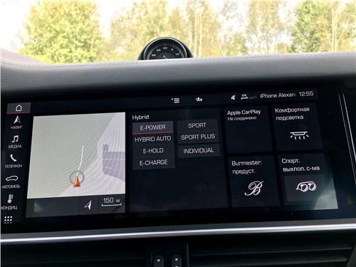 Предпросмотр porsche cayenne turbo s e-hybrid coupe 2020 центральный тачскрин