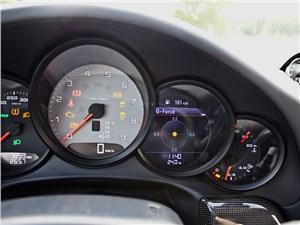 Предпросмотр porsche 911 carrera 4s 2012 приборная панель