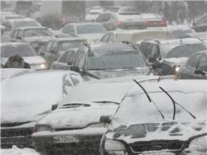 В столице продолжается снегопад