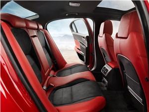 Предпросмотр jaguar xe 2015 задний диван
