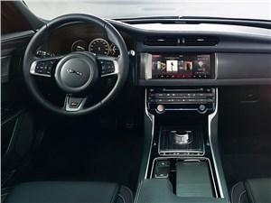 Предпросмотр jaguar xf 2016 водительское место