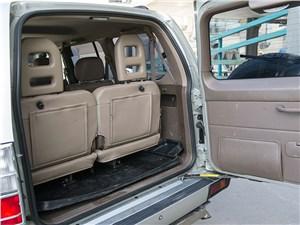 Toyota Land Cruiser Prado 2001 багажное отделение