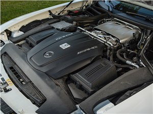 Mercedes-AMG GT S 2015 двигатель