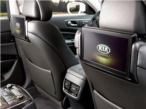 Kia Quoris 2015 мониторы для задних пассажиров