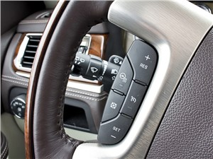 Cadillac Escalade 2009 кнопки управления на руле