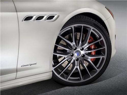 Предпросмотр maserati quattroporte gran sport 2017 переднее колесо