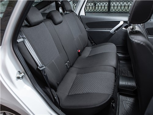 Lada Granta Liftback 2014 задний диван