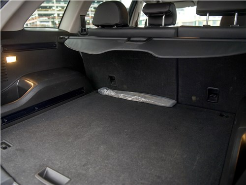 Opel Antara 2011 багажное отделение