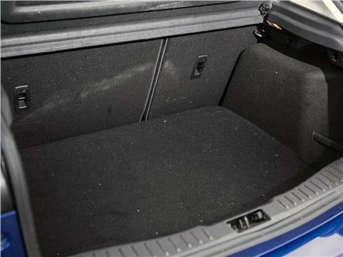 Предпросмотр ford focus 2014 багажное отделение