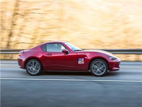 Mazda MX-5 RF 2017 вид сбоку