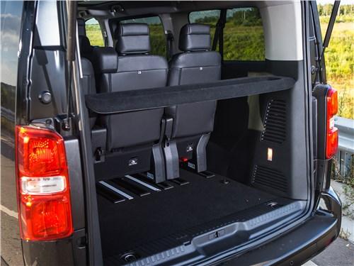 Peugeot Traveller 2018 багажное отделение