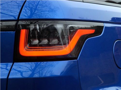 Land Rover Range Rover Sport SVR 2018 задний фонарь